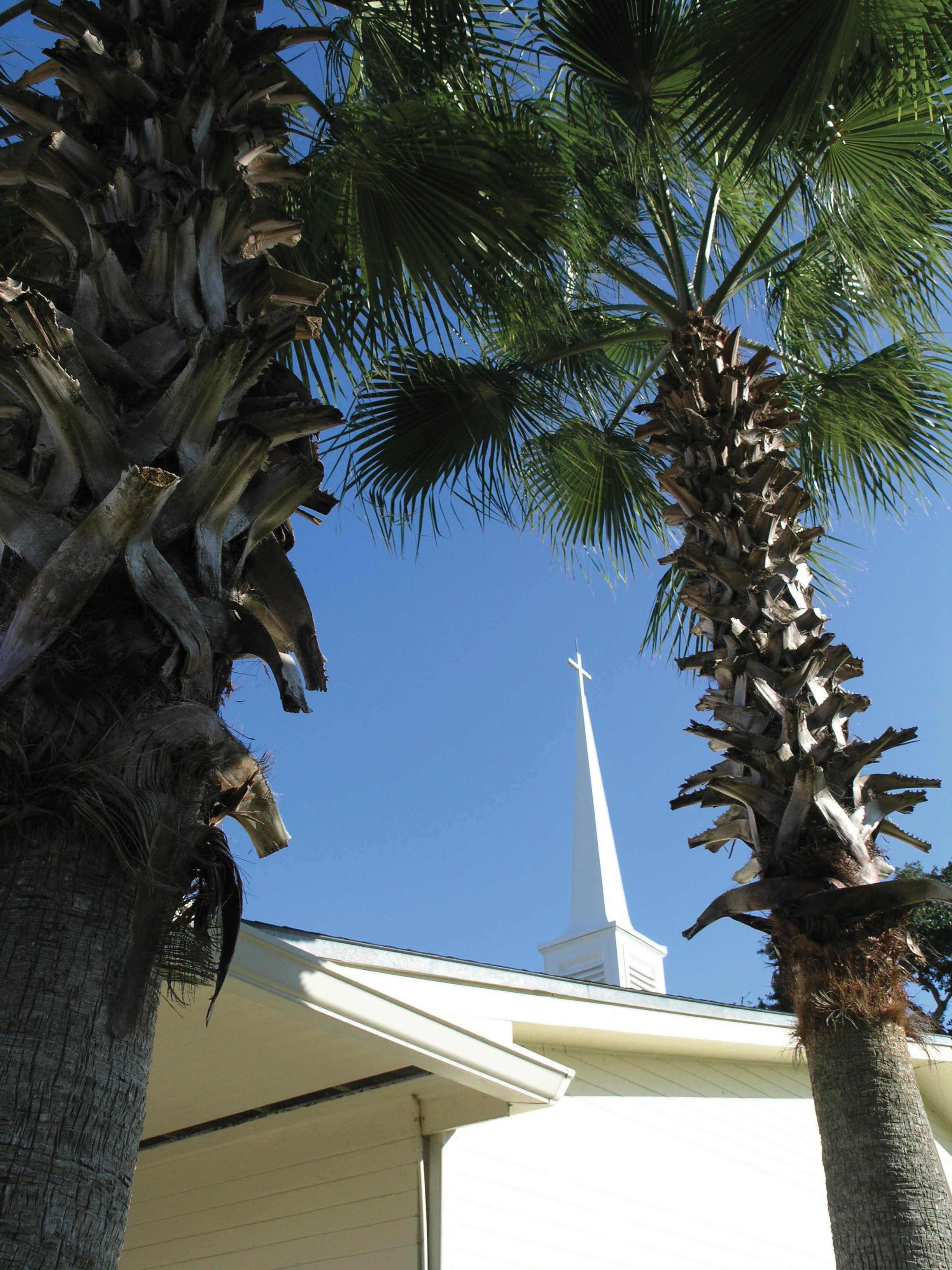 Cross atop Beachside Baptist Church
