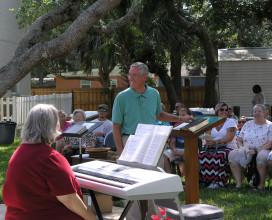 Pastor Don addresses choir