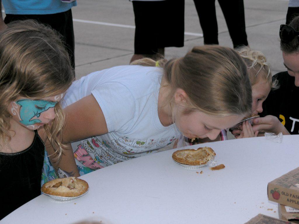 Pie Eating contestants